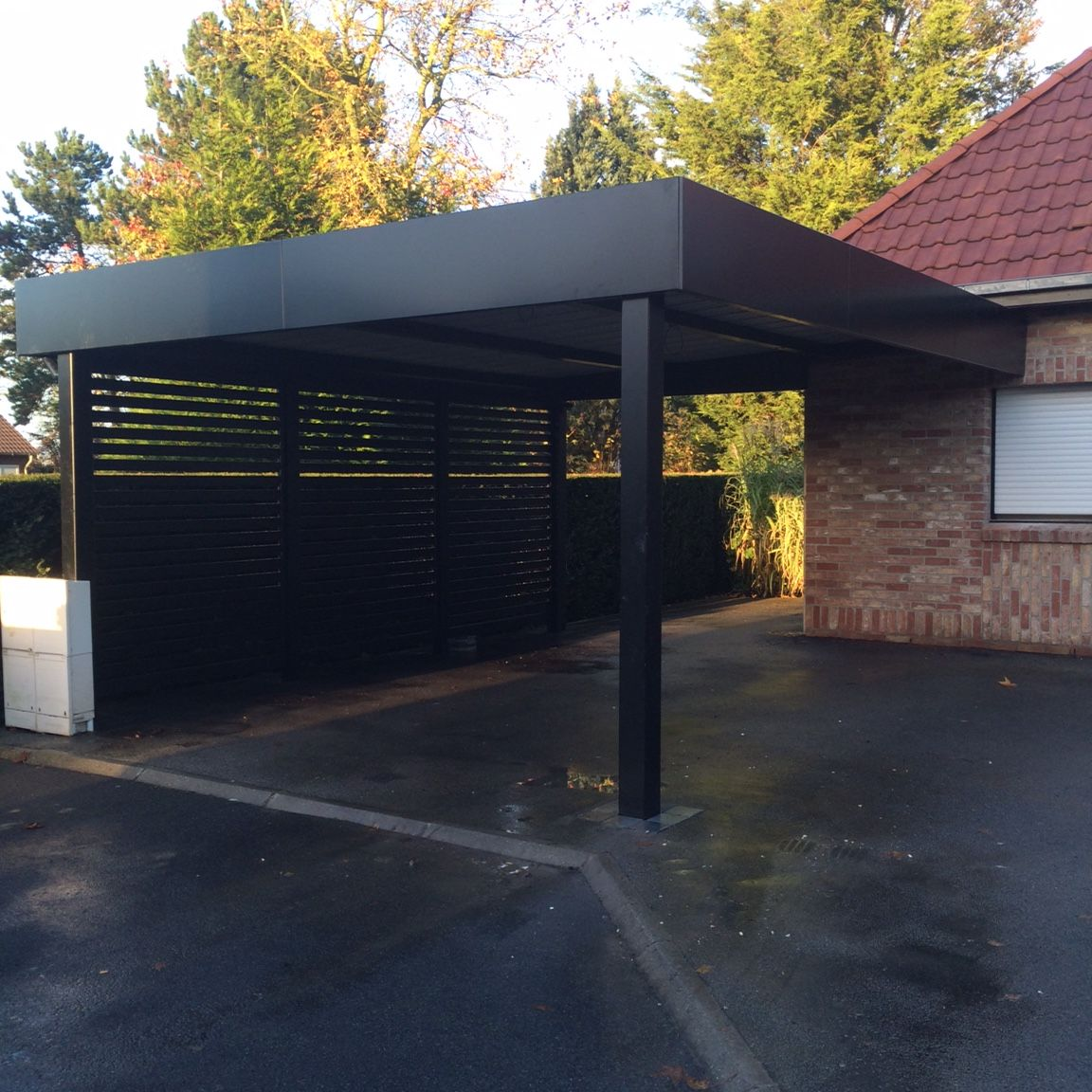 Carport aluminium tori portails carports pinterest for Abri garage castorama