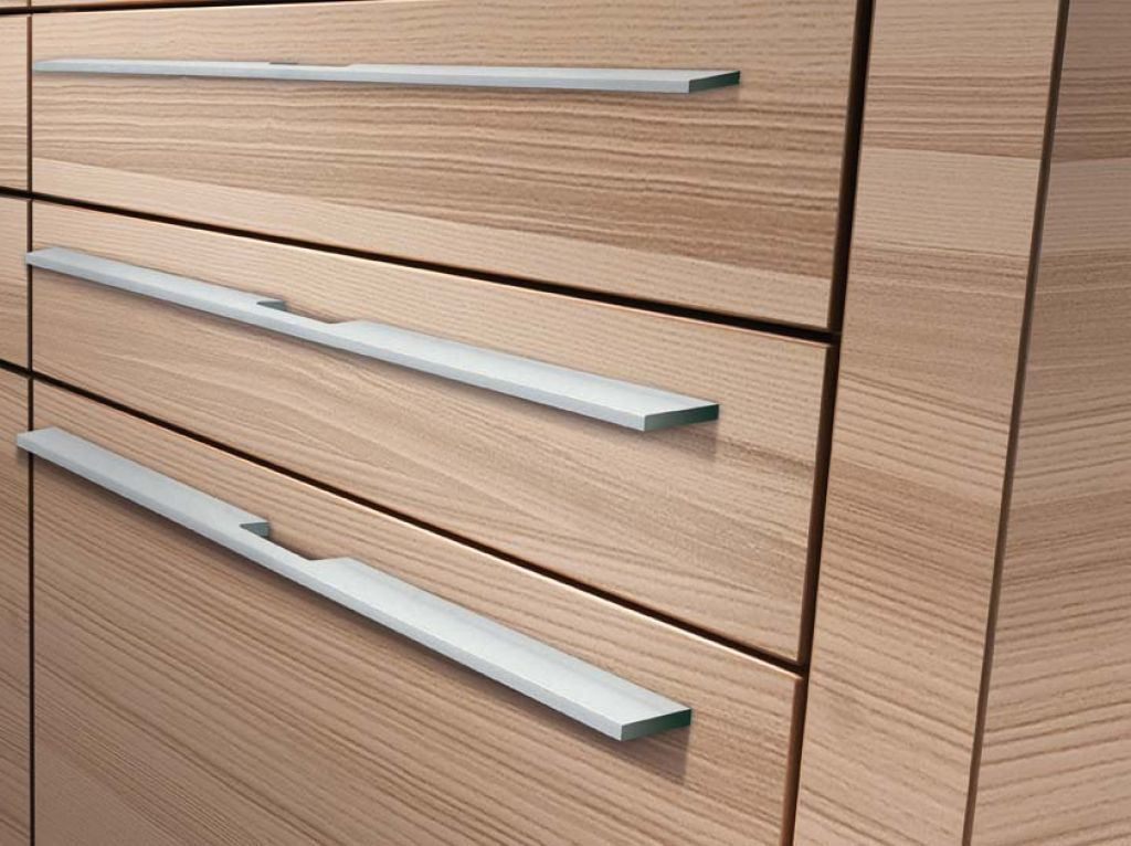 Drawers Fitted With Long Profile Handles In Stainless Steel Finish