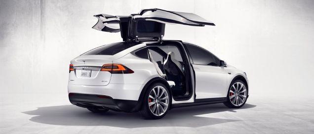 El Tesla Model X Tiene Un Modo De Defensa Contra Armas Biológicas Digno De James Bond Tesla Modelo X Modelos De Tesla Tesla