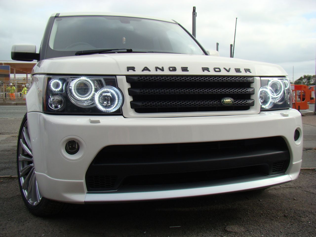 Range Rover Sport Headlight Conversion To 2012 Spec Led Lighting