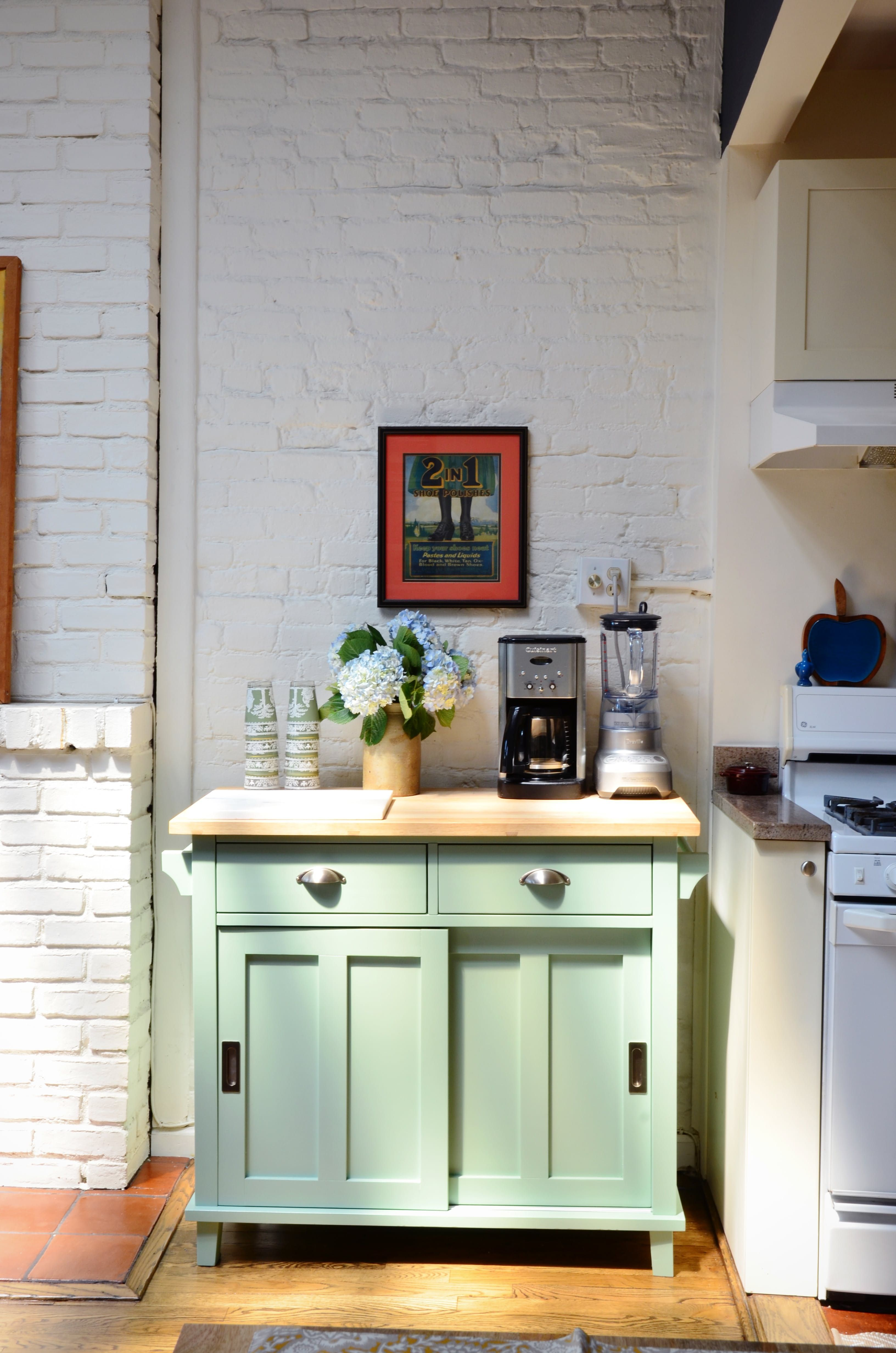 House Tour: A Novelist\'s Layered, Lived-in Brooklyn Home ...