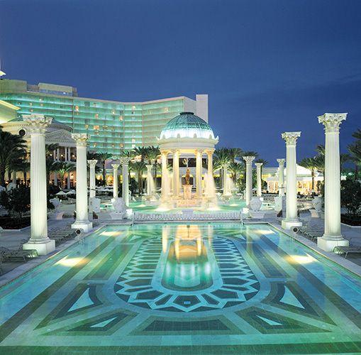 Caesars Palace Pool At Night Las Vegas Nevada Travel Las Vegas Pinterest Las Vegas