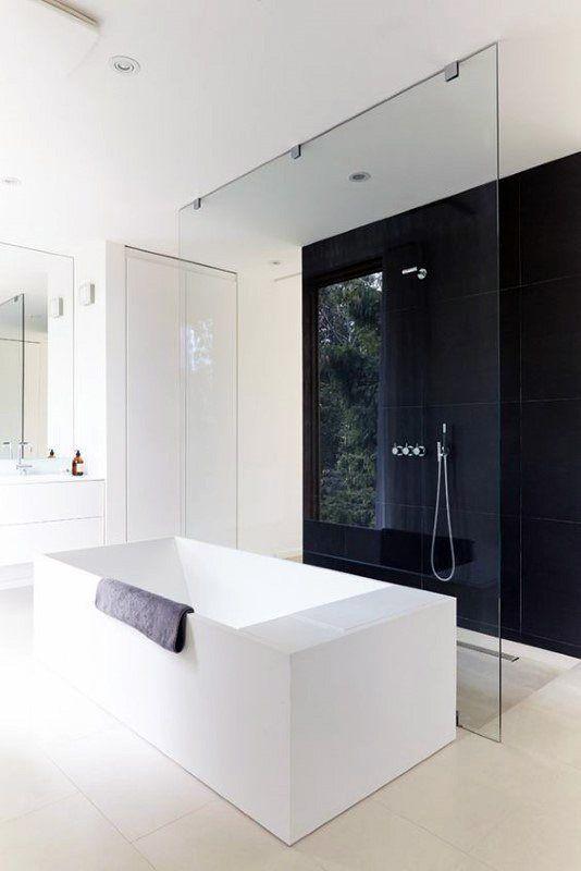 Top 60 Besten Schwarzen Badezimmer Ideen Dark Interior Designs Mann Stil Ta In 2020 Kleines Badezimmer Umgestalten Badezimmer Mit Weissen Fliesen Tolle Badezimmer