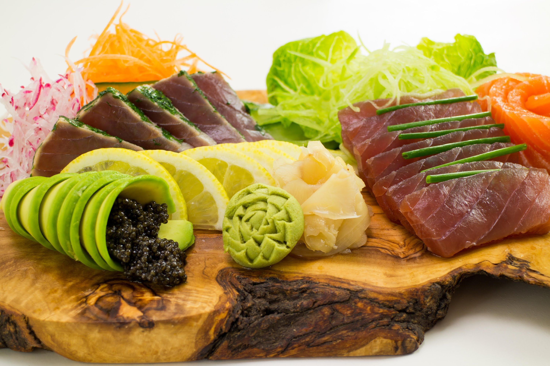 How To Make A Sashimi Platter Sashimi Platter Raw Fish Recipes Sashimi