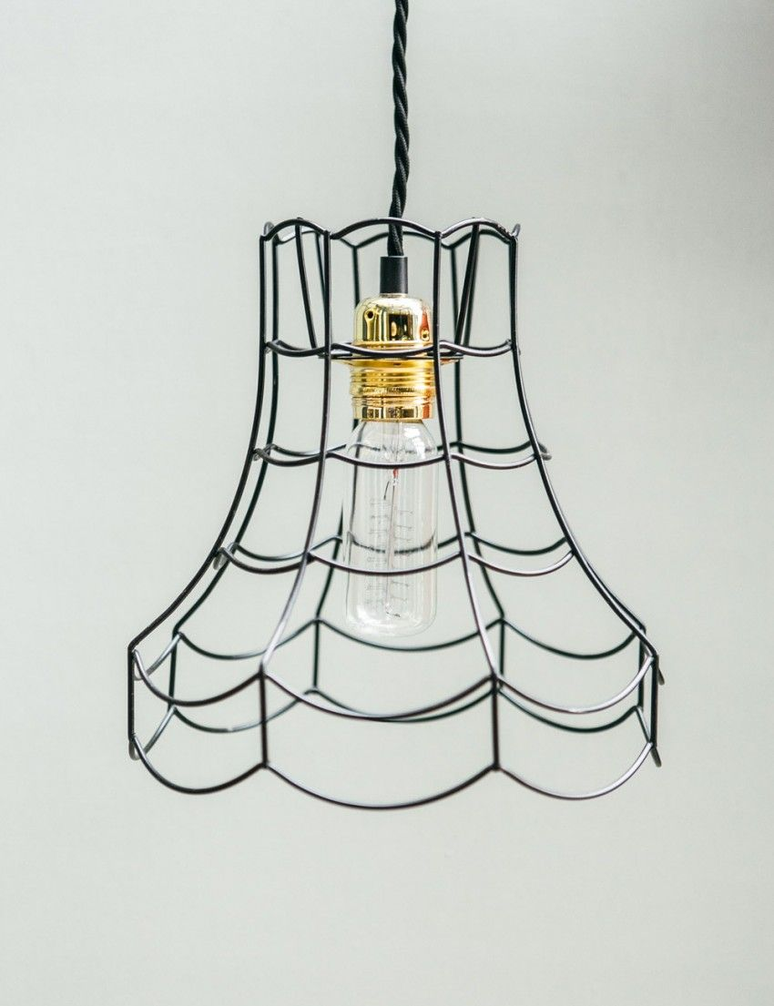 A vintage style lampshade made from wire - simple, but stunning ...