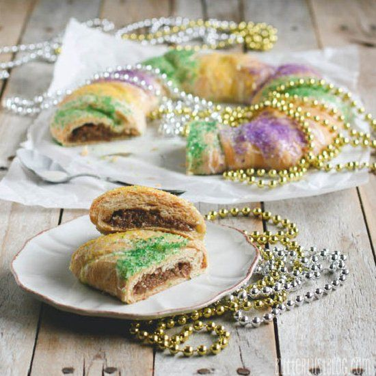 A Super Easy King Cake Recipe Made From Crescent Rolls In 30 Minutes Or Less