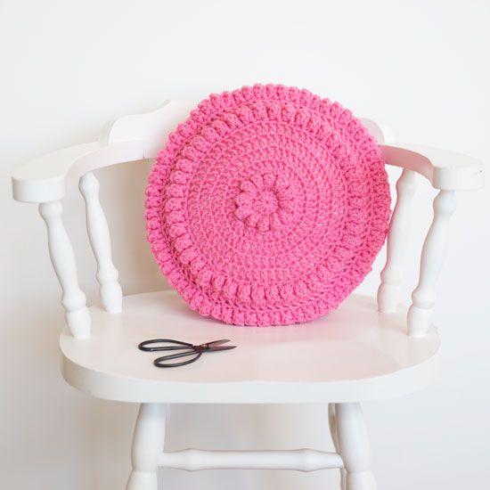 free round chunky cushion crochet pattern by RedAgape | Favorite ...