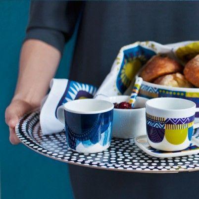 Tableware & Marimekko Fokus dienblad met Lamppupampula beker Saapaivakirja ...
