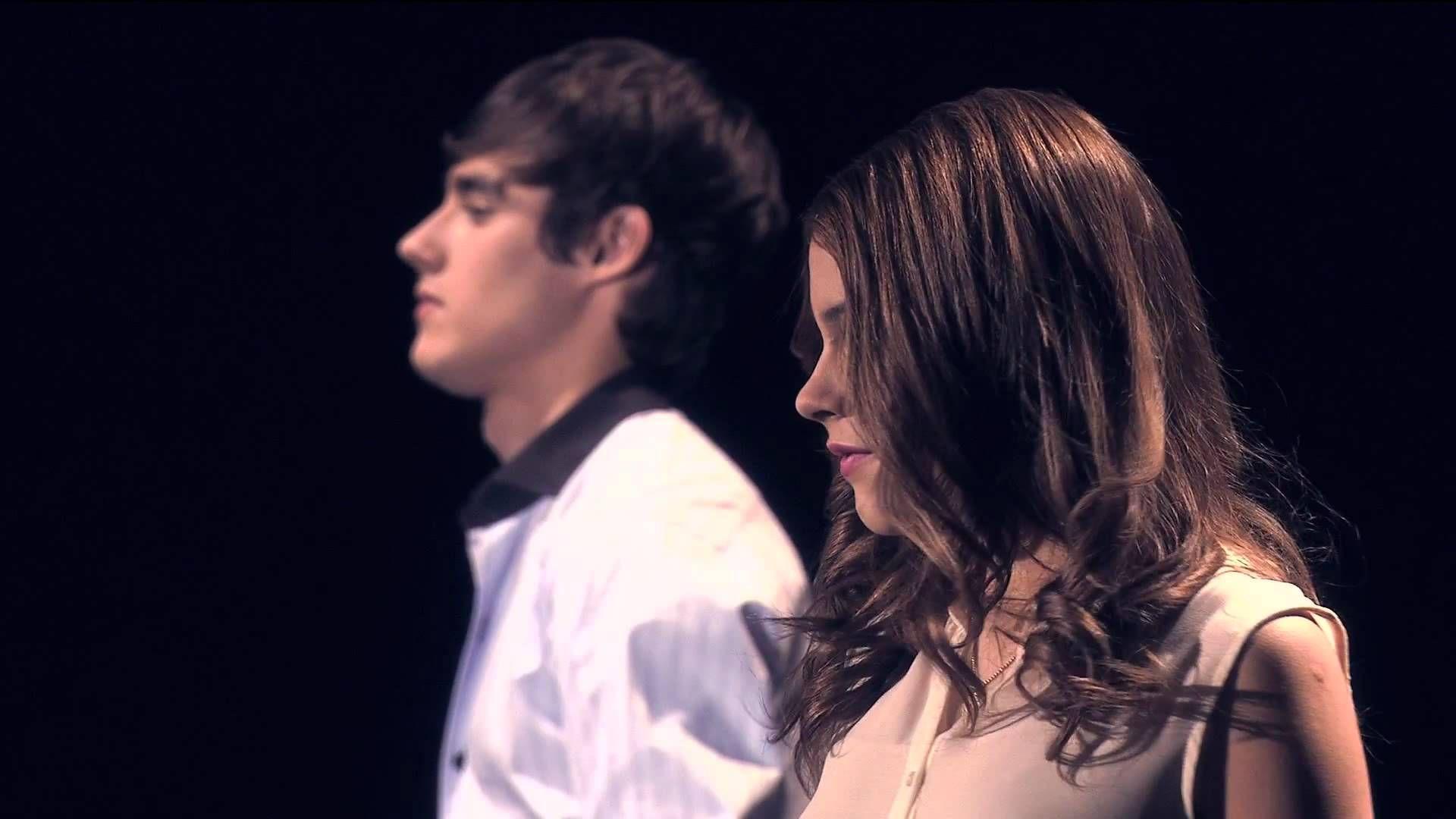 ViolettaToms y Len cantando Voy Por Ti  violetta  Pinterest