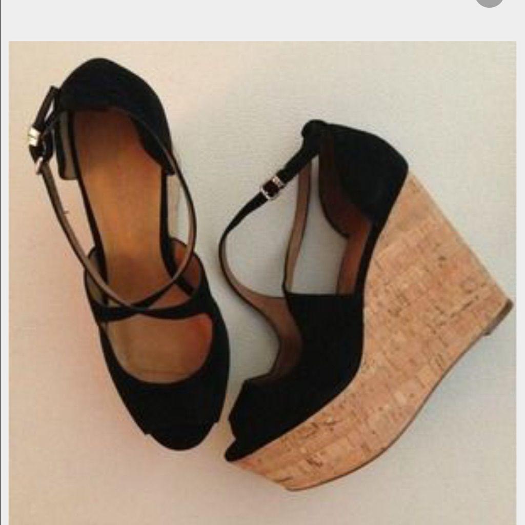31065e172fb3 Zara Black Suede Wedges