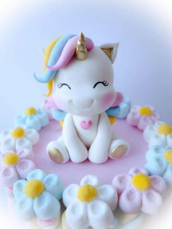 Fondant Einhorn Cake Topper Perfekt für eine BabypartyTorte oder Kindergeburtstagsparty