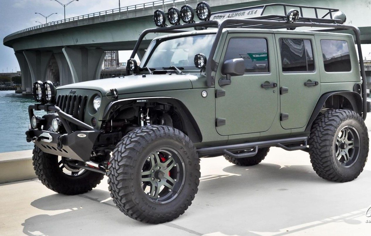 Custom Jeep Wrangler Unlimited Green jeep wrangler