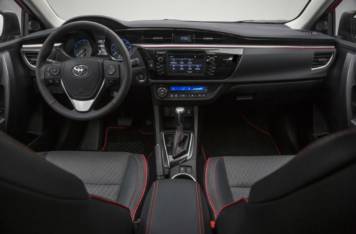 2016 Toyota Avalon Black Interior