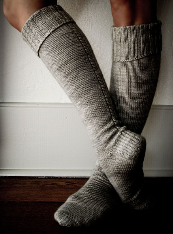 little cable knee highs - the purl bee - free pattern