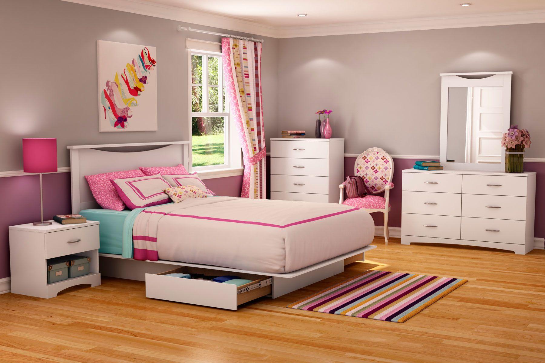 Platform Bedroom Set in Pure White