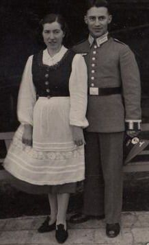 Frau Website Late 1930s Early 1940s Photo Of German Officer And