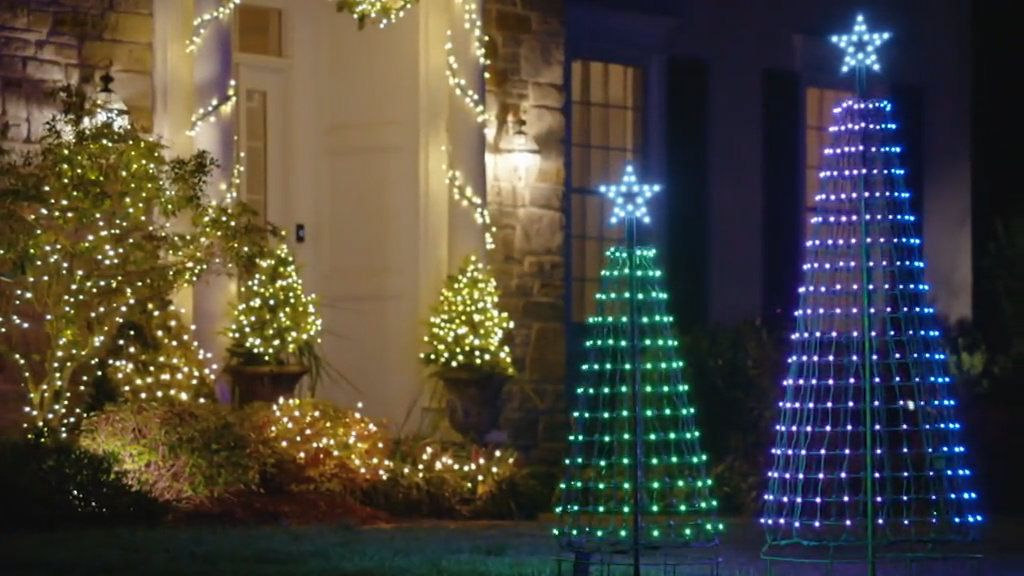 Santa S Best 360 Degree Led Light Show Pixel Tree W Remote Timer Qvc Com In 2020 Beautiful Christmas Decorations Light Show Led Lights