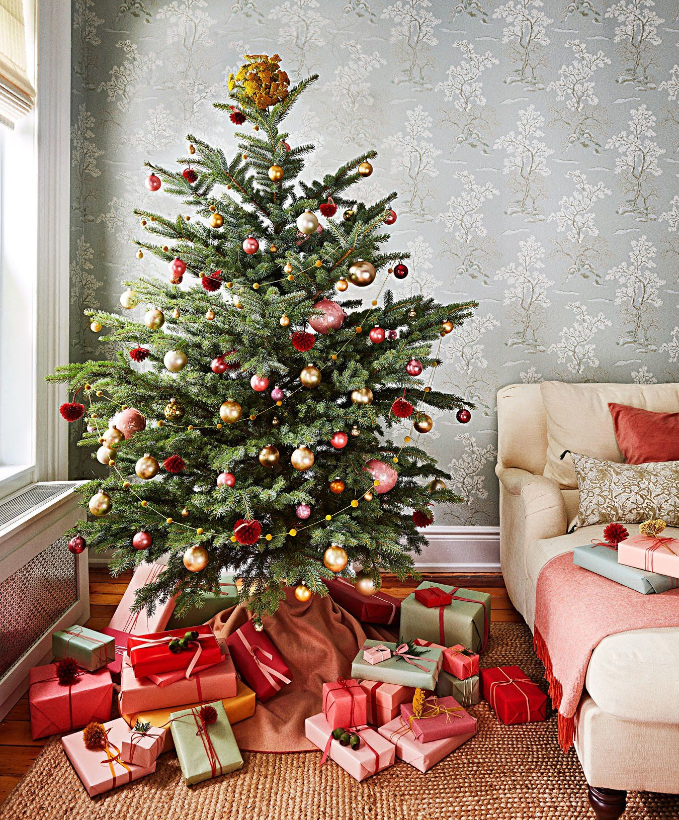 26 Of Our Most Creative Christmas Tree Decorating Ideas Christmas Tree Home Depot Creative Christmas Trees Christmas Tree Decorations