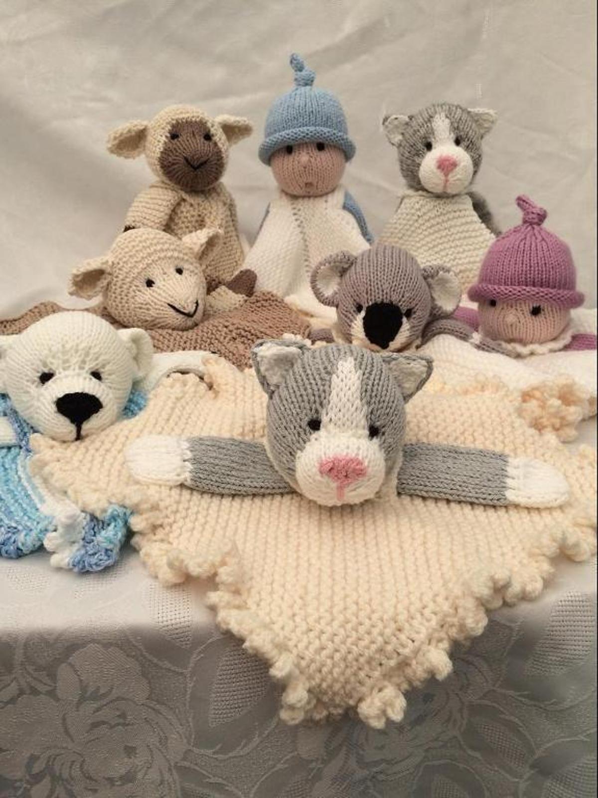 Midi Cuddles Comfort Blankets   Craftsy   Blanket knitting ...