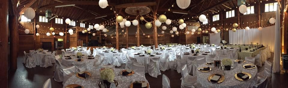Gorgeous Black White And Gold Wedding In Danceland Sparkle Added The Finish Touch Clear LakeGold