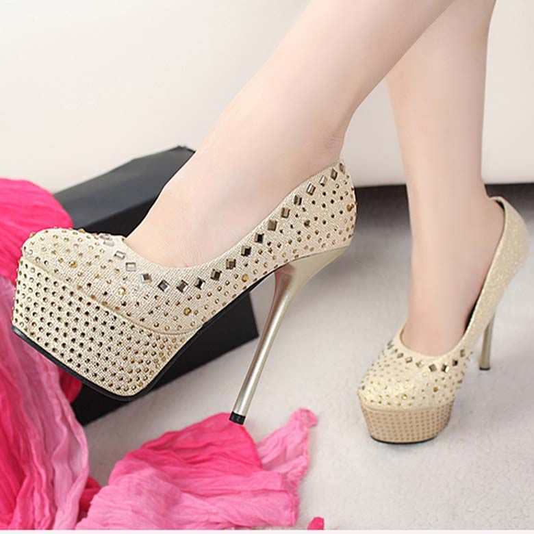 68fbca39b1bc Designer Bridal Designs 2019 Latest Fancy Shoes   Heel For Girls ...