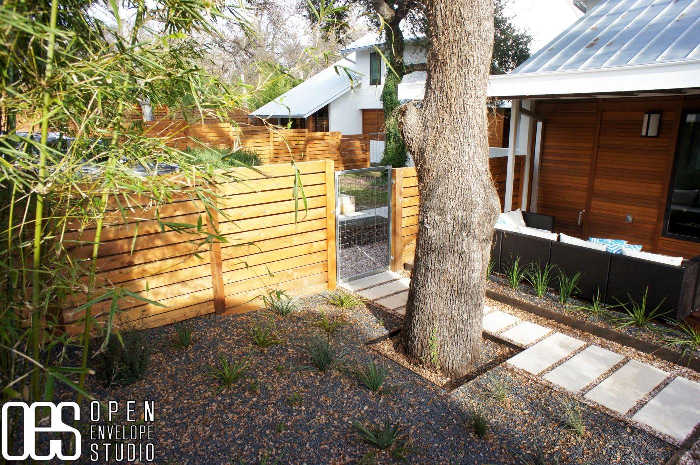OES | Tejas black planting bed, limestone paver entry