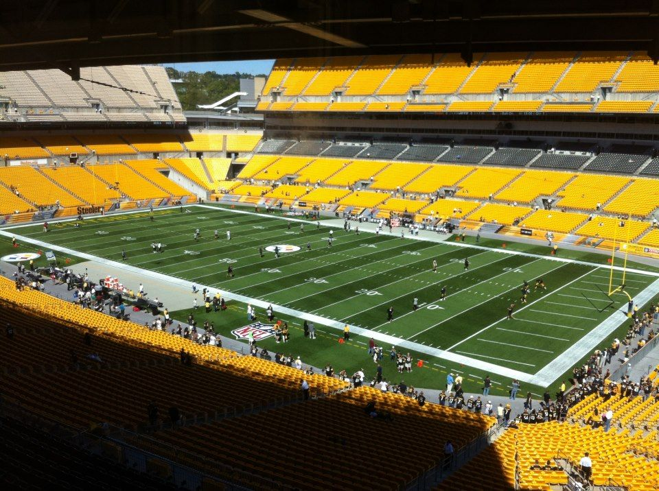 Less than an hour and a half to go till kickoff. Get loud all across Steelers Nation!