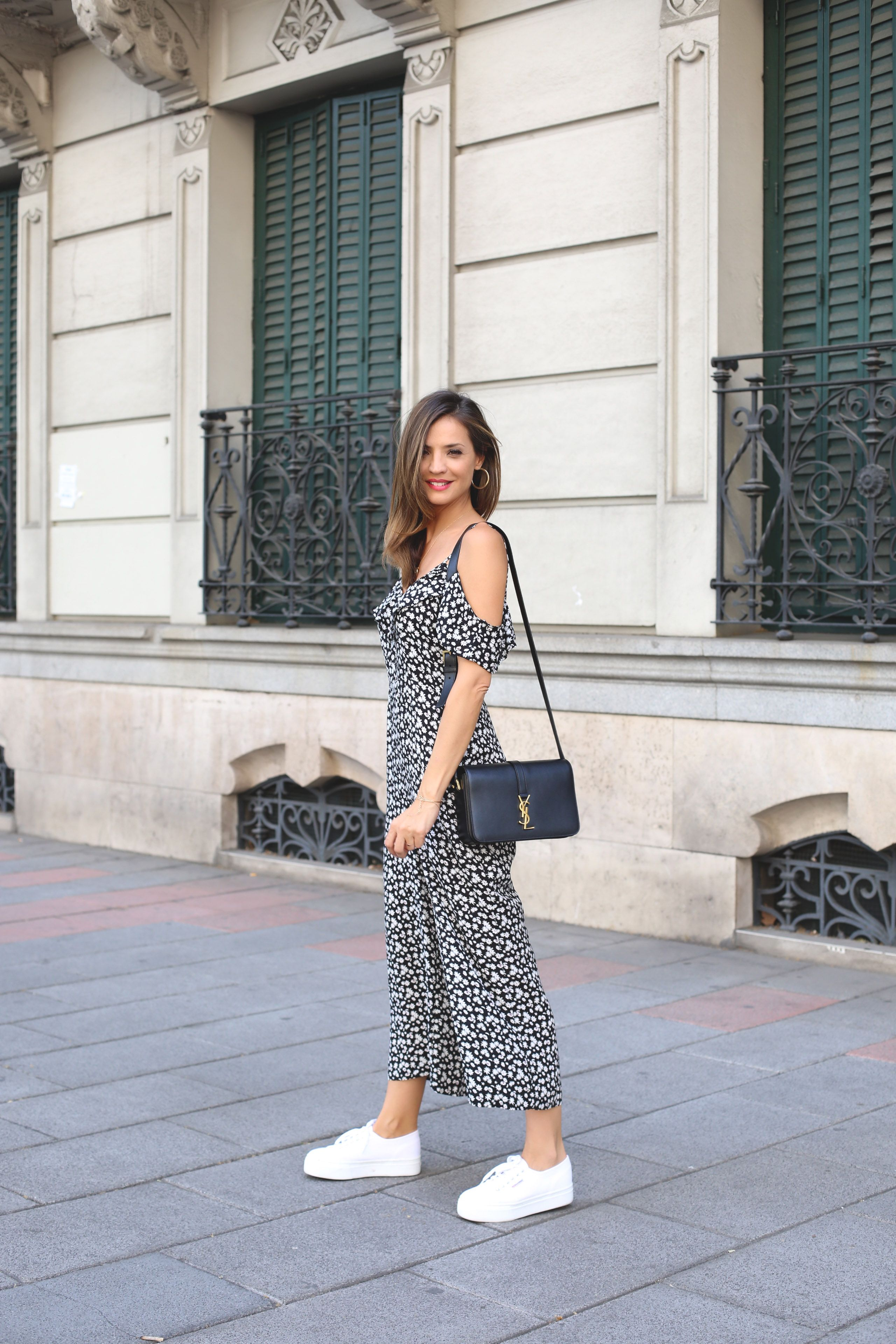 c1c319d1dd85 What to Wear to a Concert  12 Outfits That Aren t Cheesy or Cliché