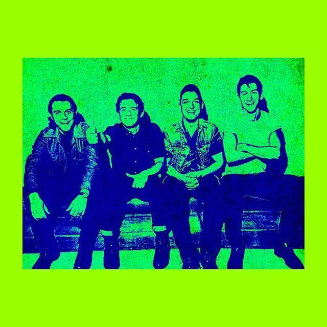 moonlight.and.rosevines/2016/08/15 12:28:55/• #arcticmonkeys #am #alexturner #matthelders #nickomalley #jamiecook #green #aesthetic #music #bands #indie •
