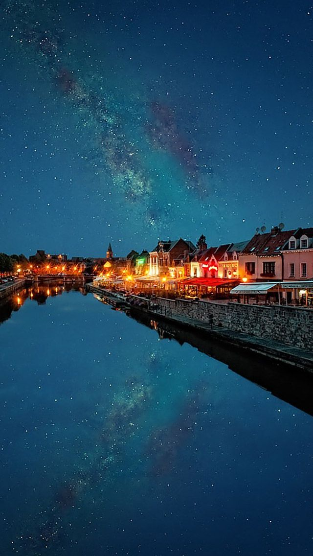 Town sky reflection #iPhone #5s #Wallpaper
