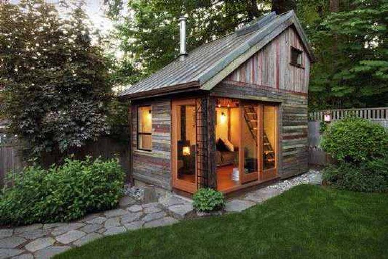Gambar Rumah Kayu Mungil Sederhana Backyard House Shed Design Backyard
