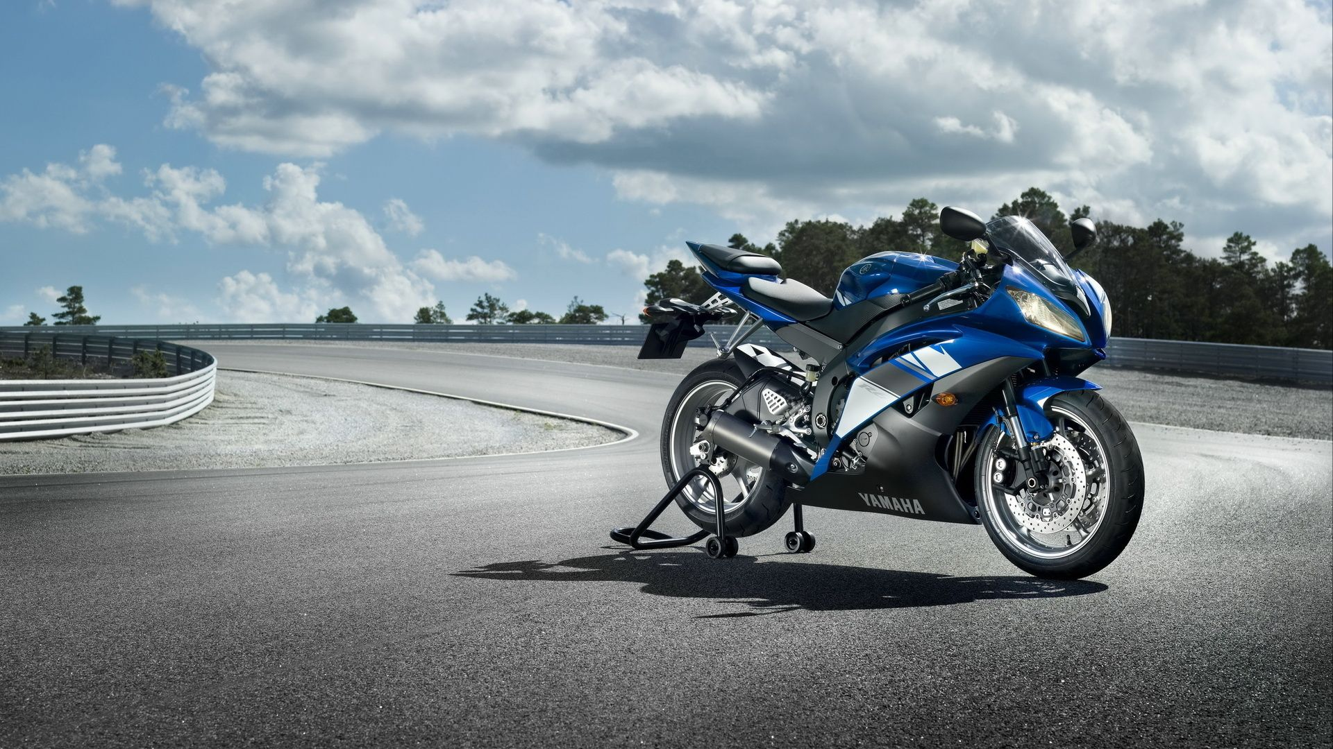 Yamaha Bike Wallpapers : Get Free Top Quality Yamaha Bike