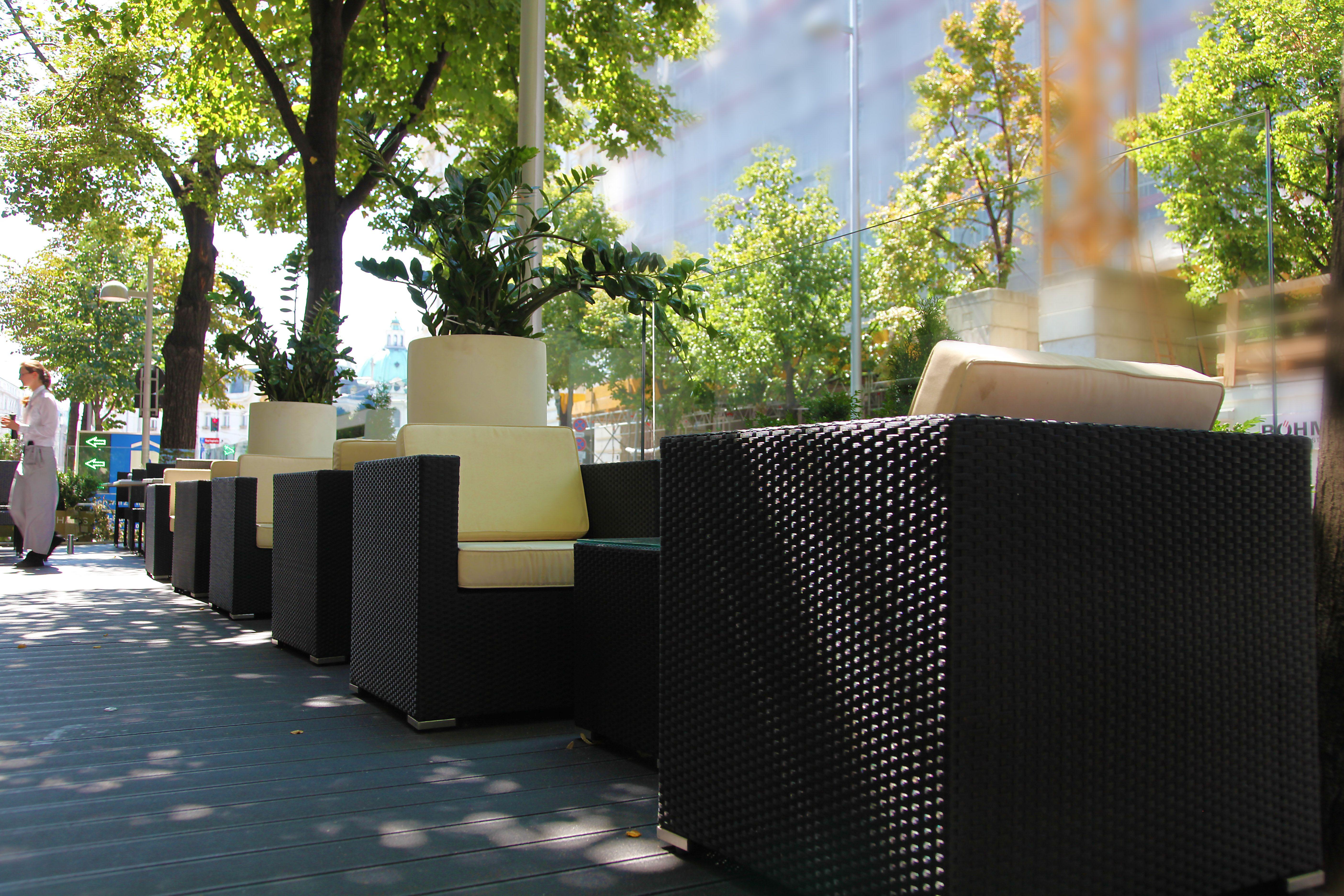 Garten Restaurant Oskars