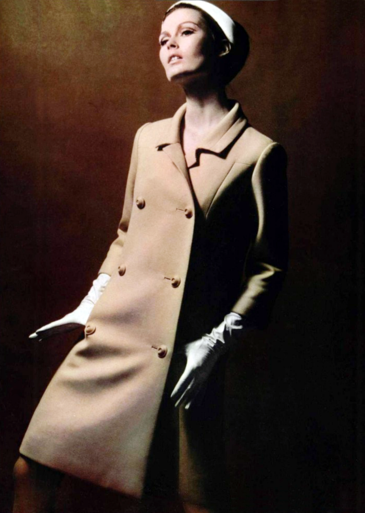 Castillo - L'officiel magazine 1966