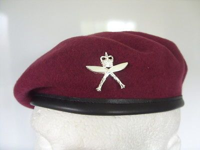 726b2d7f781 2 rgr  royal  gurkha rifles airborne beret  amp  cap  badge 16 air