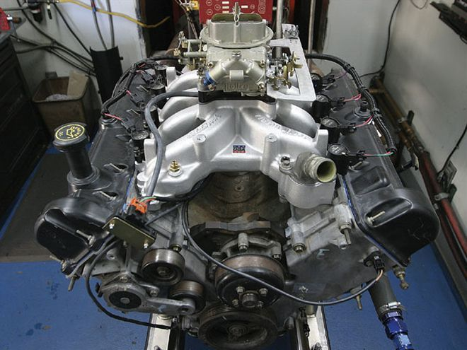 Check out this Ford engine, a Ford 4 6l 2v engine, this engine is