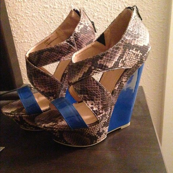 NEW!! Snake skin/blue wedges New without box. Super cute! JustFab Shoes