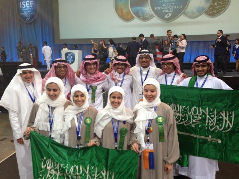 سطع نجم الطلاب السعوديين مجددا عالميا بحصول المملكة العربية السعودية على ثمانية جوائز في معرض إنتل الدولي للعلوم والهندسة Intel Academic Dress Society Dresses