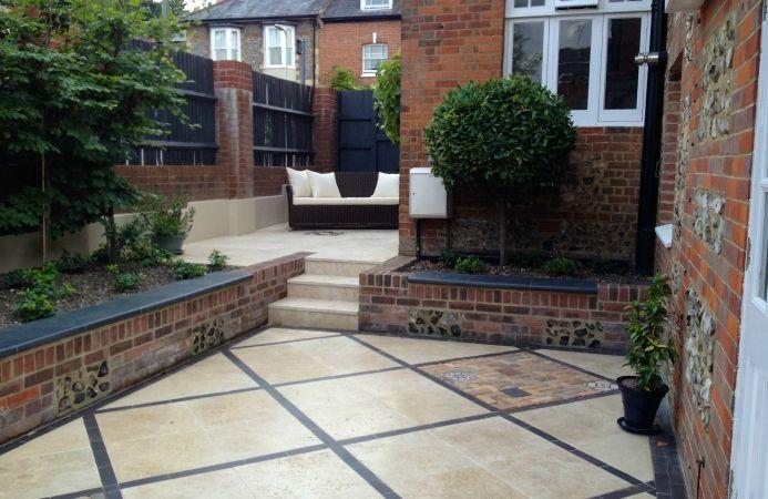 Courtyard Garden Design (Winchester, Hampshire ...