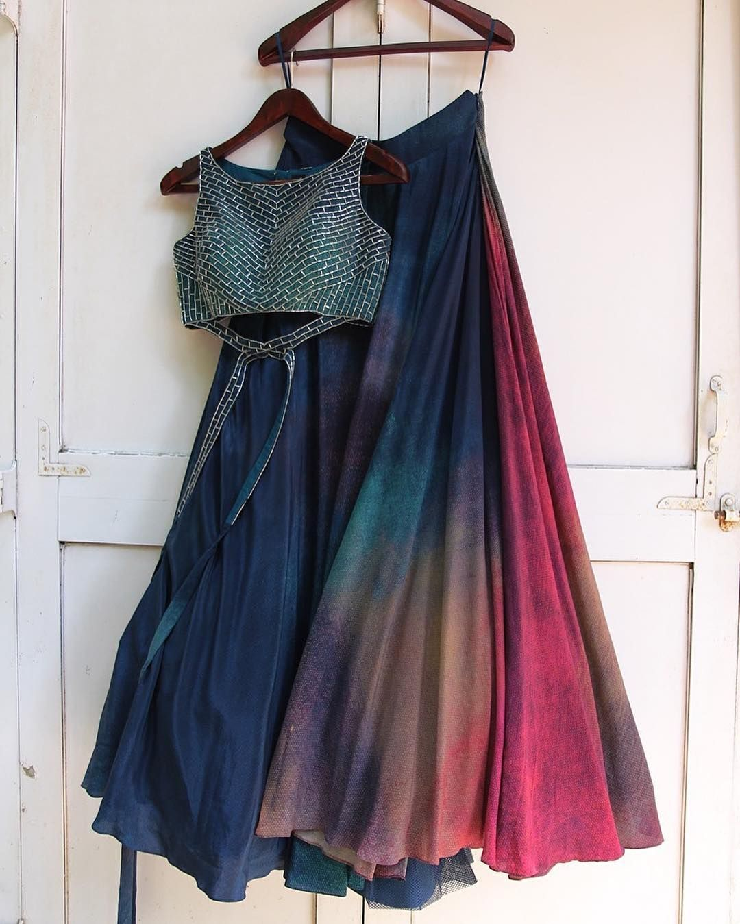 Best 25+ Crop top traditional ideas on Pinterest | Indian ...