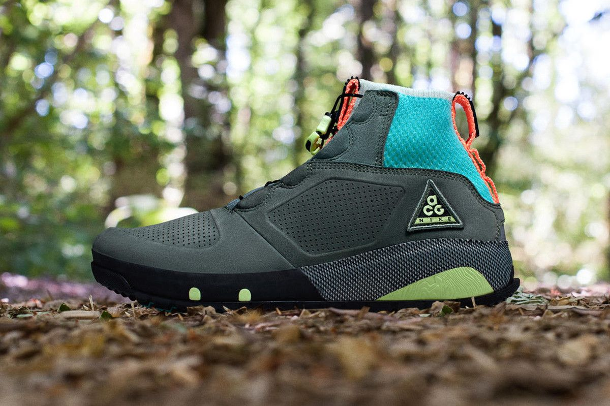 8a74b6856932 Nike s New ACG Ruckel Ridge Will Add Flair to Your Outdoor Outfits ...