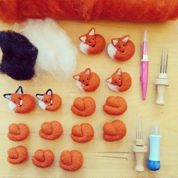 Fox Needle Felted Brooch Miniature Felt Animal Wool Badge Pin Gift Curled up Woodland