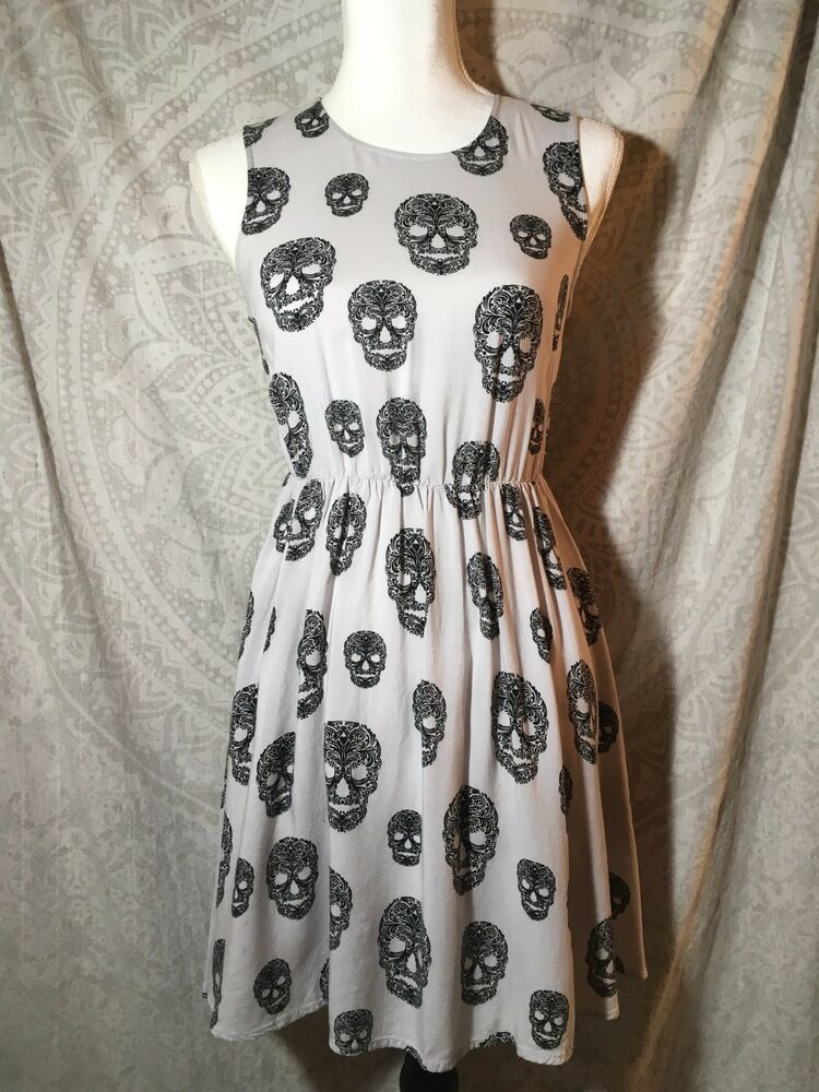 d4cba0f3510c Divided by H & M Lt Grey w/Black Skulls Dress Size 4 W/ Exposed Zipper.  Condition is Pre-owned. Shipped with USPS First Class Package. | eBay!