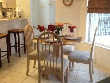 Kitchen seating area #disney #rental #vacation http://www.homeaway.com/vacation-rental/p236453