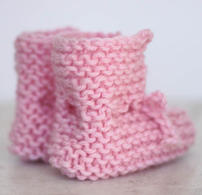 EASY Tie Front Baby Booties Free Knitting Pattern by Gina Michele ...