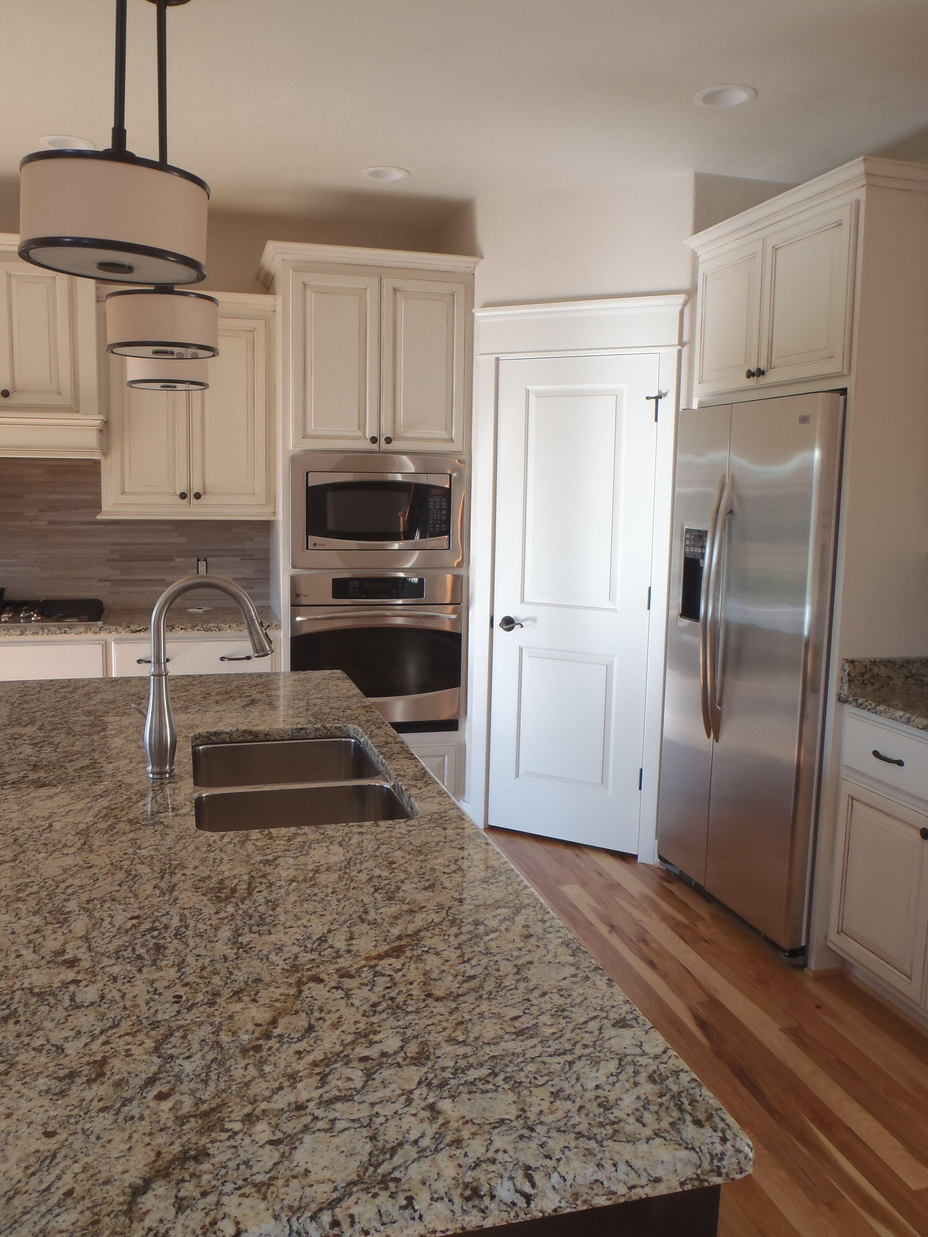 Carstensen Homes Antique White Kitchen Cabinets Antique White Cabinets Antique White Kitchen