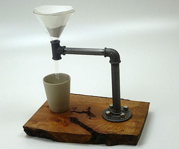 """_Kaffeezubereiter No.1 UNIKAT // Industrial Pipe-Style_ Duftender, handgebrühter Filterkaffee aus einer außergewöhnlichen """"Kaffeemaschine"""". Blanke Wasserrohre und edles Zwetschgenholz ergeben..."""