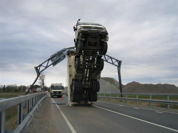 Every Time You See One Of Those Low Clearance Sign Arent You Secretly Hoping To See This Happen