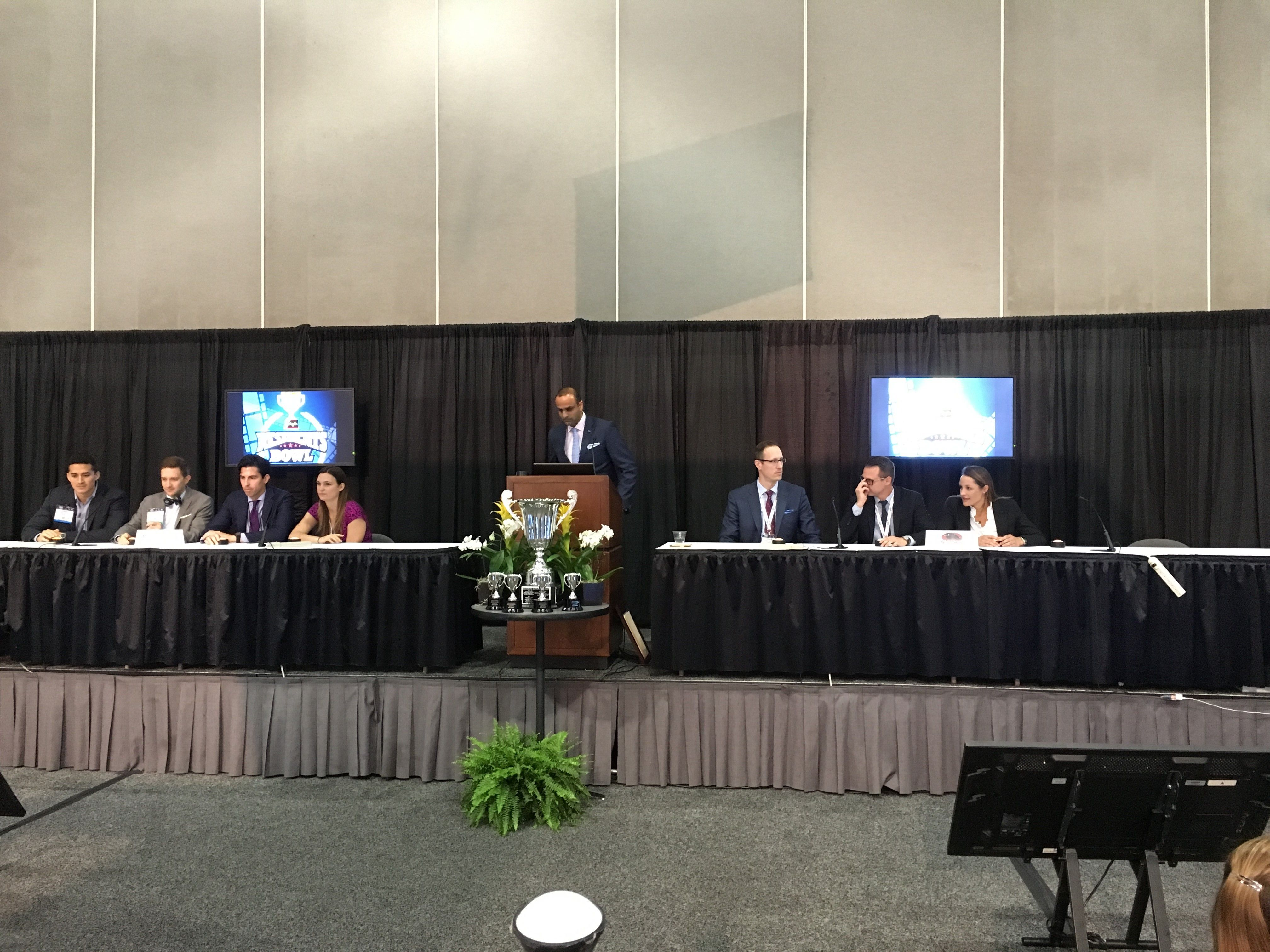 The stage is set! It's all Illinois in the Residents Bowl final with Northwestern vs Southern Illinois University. #PSTM16