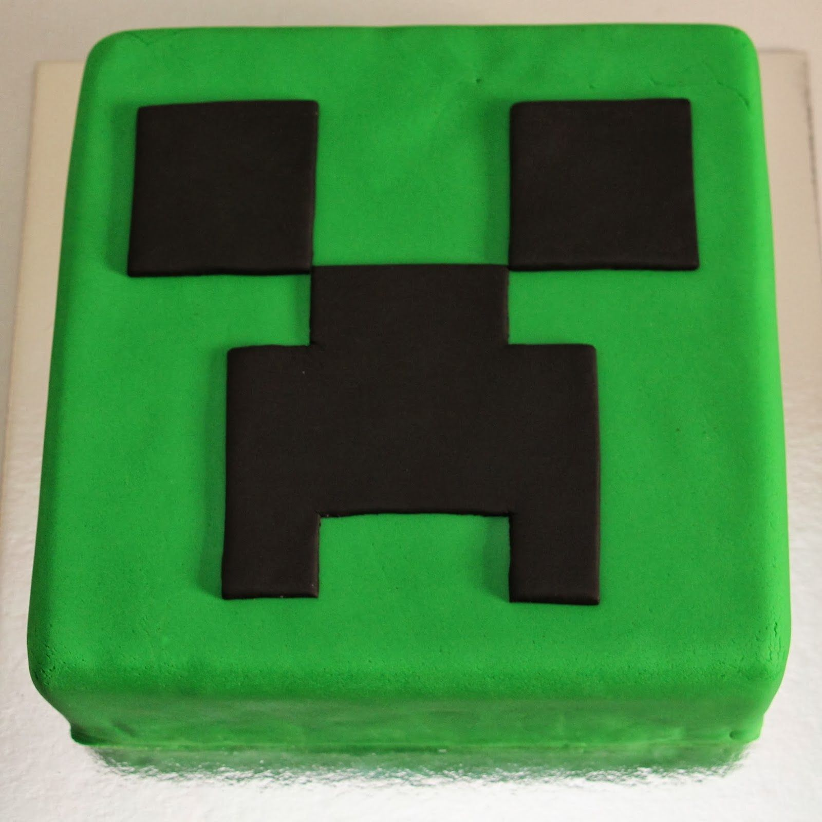 Minecraft Quot Creeper Quot Cake Created Creatively